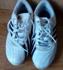 Adidas i puma tenisice zajedno