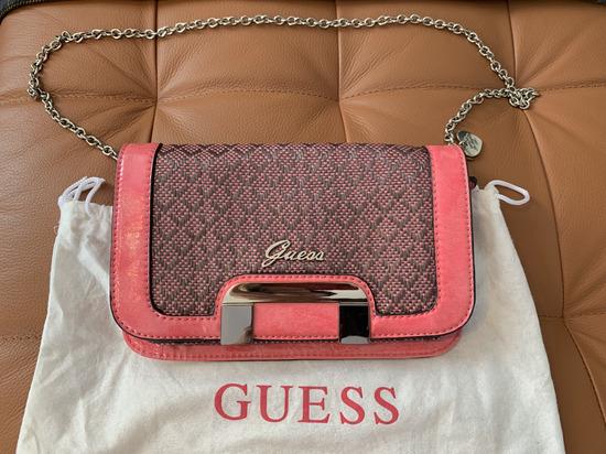 Guess roza torbica sa lanac ručkom