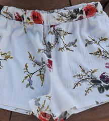 Divne,lagane hlačice