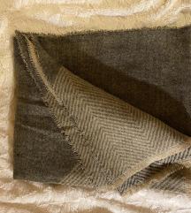 ZARA debeli zimski šal - kao novi