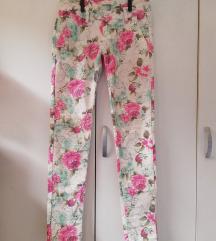Lagane cvjetne hlače