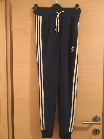 SNIŽENJE-Adidas hlače