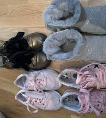 Djecije cizme Ugg  i patike  Mou