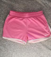 Nike kratke hlače v. 116-122