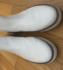 Zara  kožne bijele cipele