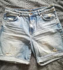 Pull & Bear kratke jeans hlače