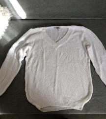 Bijeli rupičasti pulover