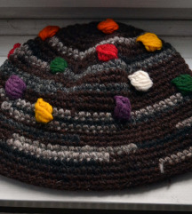 simpatična vintage-style kapa, ručni rad,