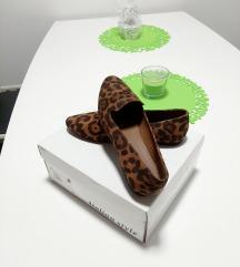 Cipele s uzorkom, veličina 37