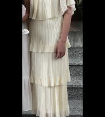 Duga bež svečana haljina