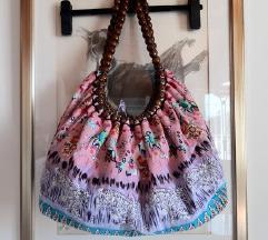 Platnena torba s drvenim perlama