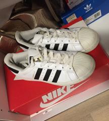 Adidas superstar  Rezervirano