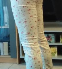 NOVE H&M hlače s etiketom