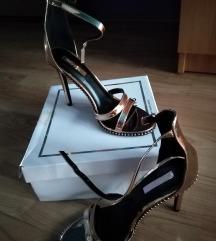 Sandale zlatne boje