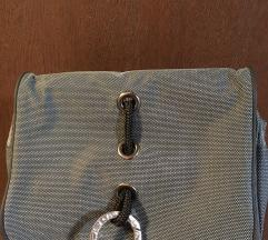Kozmeticka torbica neseser siva