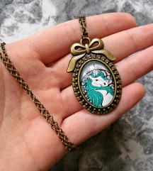Lančić ''Turquoise unicorn'' (ručni rad)