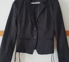 Crni sako s vezicama