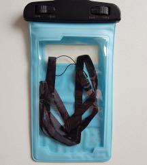 vodootporna torbica za mobitel na plaži