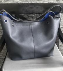 Vellika siva torba s plavom podstavom