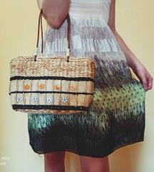 Pletena torba s detaljima