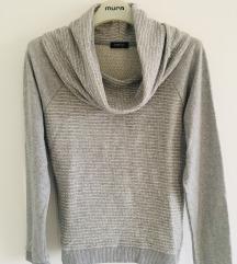 Sivi pulover dolčevita vel S-M