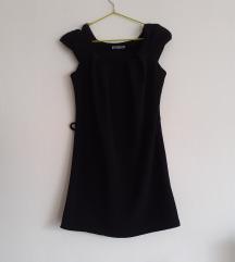 Crna haljina s zipperima na rukavima