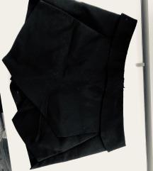 ZARA Kratke crne hlačice