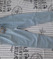 Prodajem ženske traperice