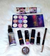 * LOT ! 8 + Avon, Farmasi, Essence,Wet n wild *