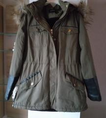 Topla maslinasto zelena jakna
