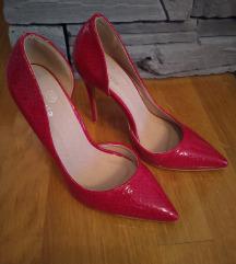 Nove crvene stiletto štikle