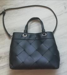 Stradivarius kožna crna torba sa PT