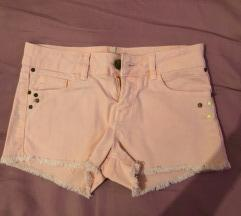 Bershka kratke hlačice 34