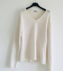 Predivan Bijeli knit pulover vel M/L