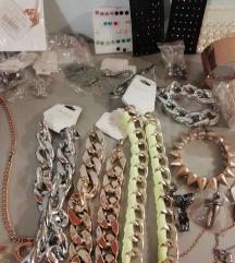 Lot 250 komada novog nakita