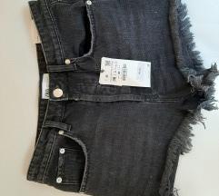 Zara kratke hlače s etiketom vel M
