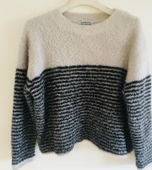 Prugasti pulover vel M-L