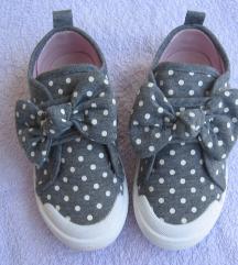 Točkaste cipelice vel.29