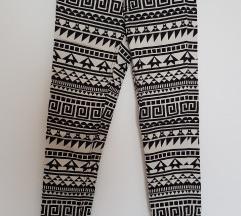 H&M crno bijele aztec uzorak hlače - NOVO!