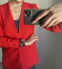 Zarino crveno odijelo ❤️