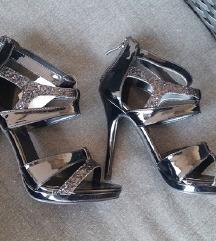 Nove crne sandale / štikle 37