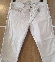 Zara bijele 3/4 hlače