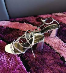 Bershka nove srebrne sandale