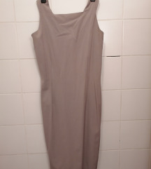 Siva haljina na tregere
