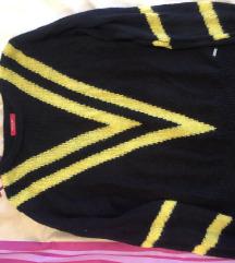 Nenošeni pulover M Guess