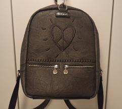 Rezz//Desigual ruksak s dva lica