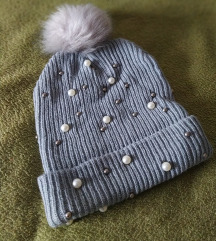 Zimska kapa s perlicama i coflekom