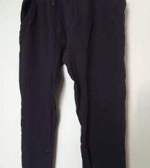 Nove Reserved trenirka hlače M-L
