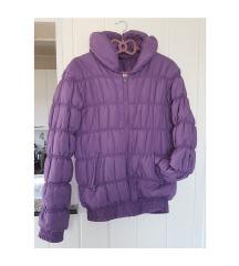 Ljubičasta zimska jakna
