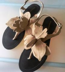 Reserved kožne sandale
